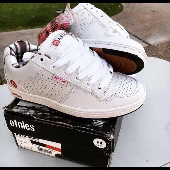 ce758b8592c5 Etnies Shoes   Arto Saari Rare Size 7 Deadstock   Poshmark